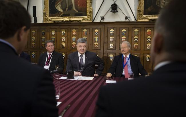 Фото: Петр Порошенко на встрече в Великобритании (president.gov.ua)