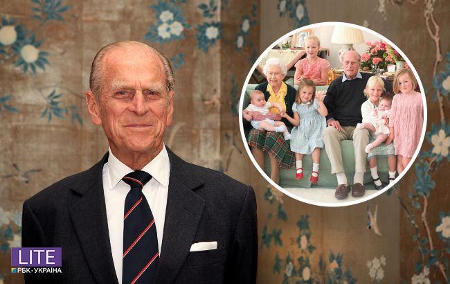 Королевская семья показала неопубликованные ранее фото Елизаветы II и принца Филиппа с правнуками