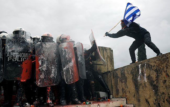 В Афинах полиция применила газ против демонстрантов