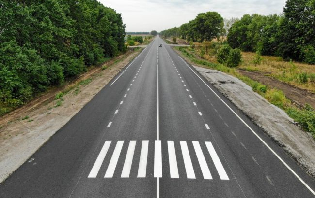 Стало відомо, в яких областях найбільше витрачають на ремонт доріг