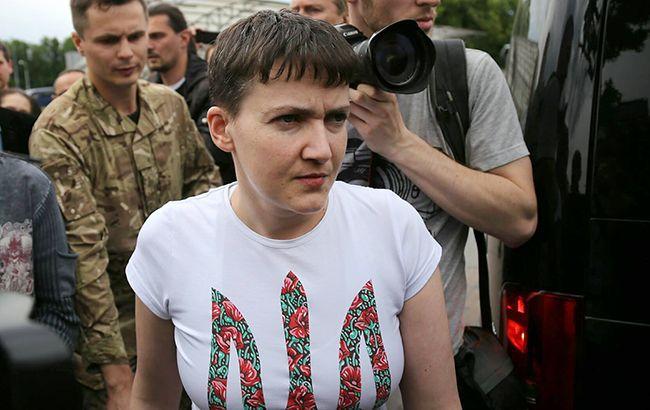 Фото: Савченко дала первый комментарий прессе в аэропорту