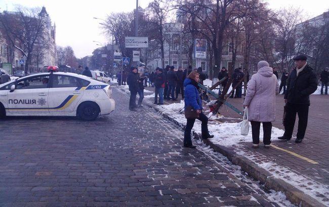 Фото: протест біля будівлі Нацбанку завершився