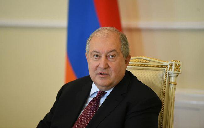 Президент Вірменії заявив, що дізнався про перемир'я в Карабасі з преси