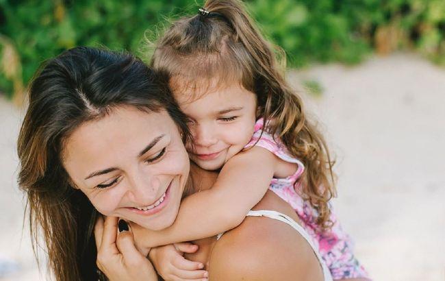 Відчуваю неймовірне щастя: Ілона Гвоздьова розчулила ніжними фото з донечкою
