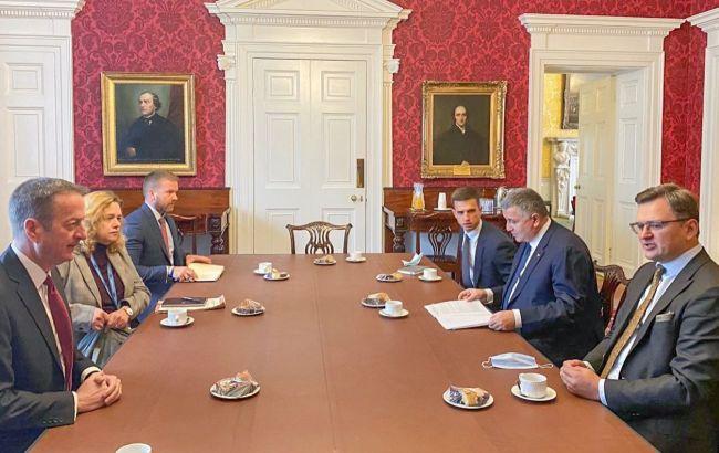 Украина и Британия разработают план противодействия гибридной войне РФ