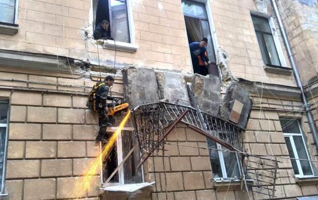 Фото: Залишки балкона (odesa.dsns.gov.ua)