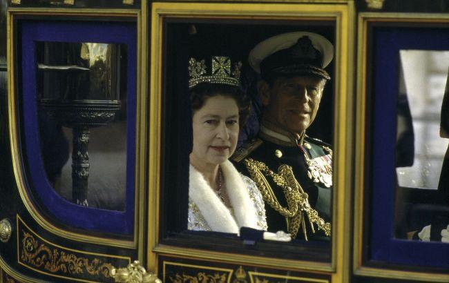 У шлюбі - 73 роки: історія кохання Єлизавети II і принца Філіпа в знакових фото