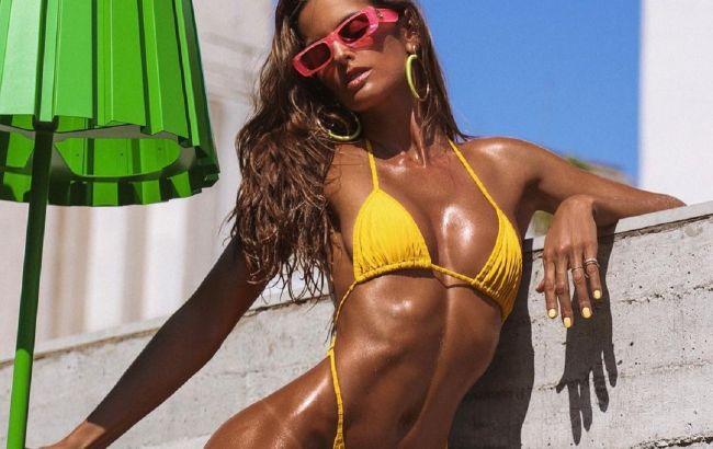 Она вообще реальна? Изабель Гулар похвасталась точеной фигурой на жарких пляжных фото