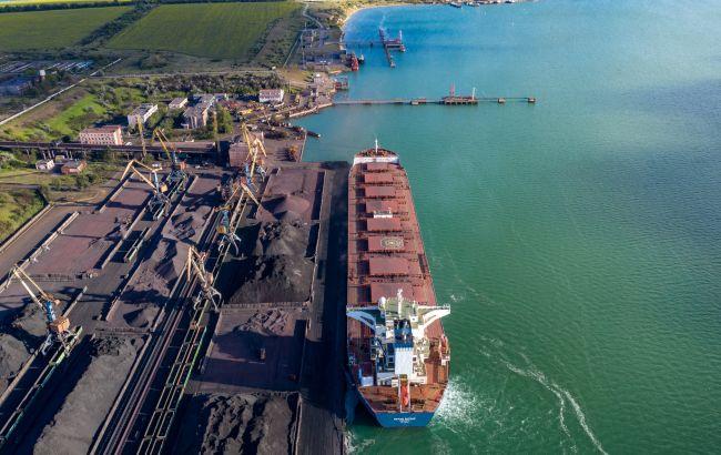 """Керівництво порту """"Южний"""" блокує роботу підприємства в інтересах приватних компаній, - промисловці"""