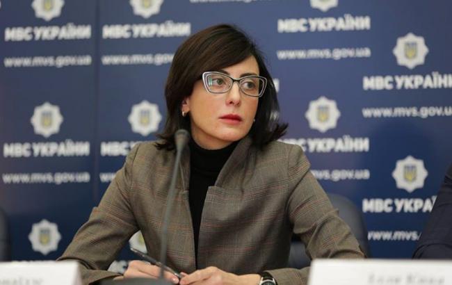 200 полицейских задевять месяцев. Деканоизде поведала озадержаниях врядах Нацполиции