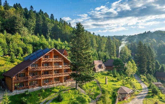 Неймовірні пейзажі за вікном: затишні готелі в Карпатах з панорамними видами на гори