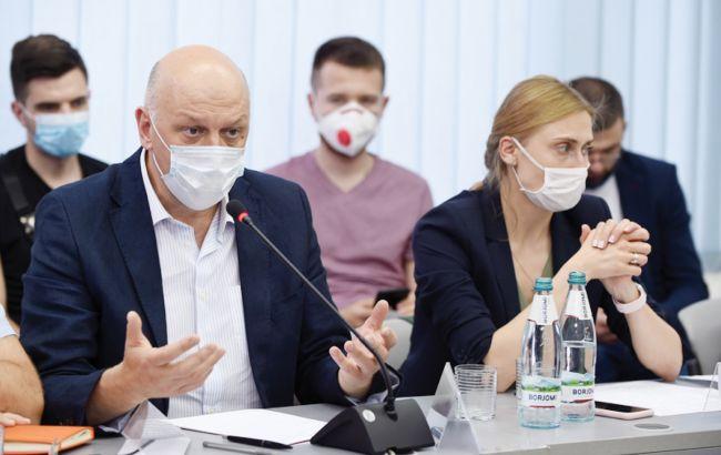 Борьба с COVID-19: кто во власти ответственный за вакцинацию украинцев