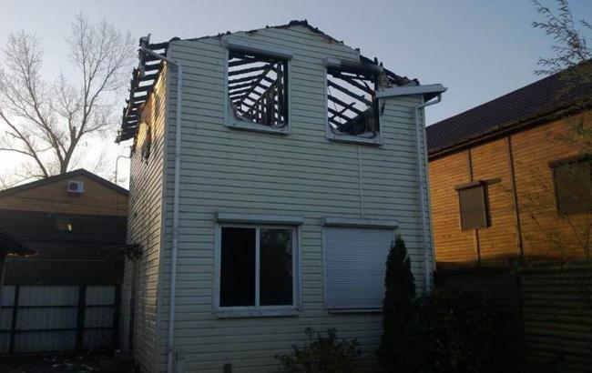 Фото: будинок сина Олійника в Черкасах після пожежі
