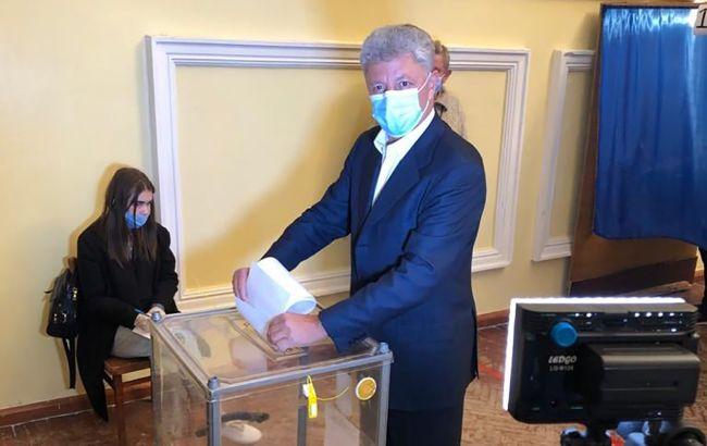 Бойко проголосовал на местных выборах в Рубежном