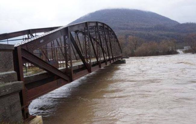 Фото: у Закарпатській області підвищився рівень води у річках (tyachiv.com.ua)