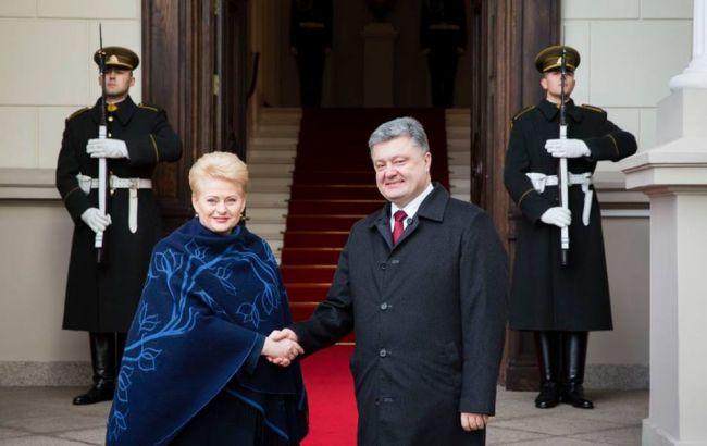 Фото: Даля Грибаускайте и Петр Порошенко