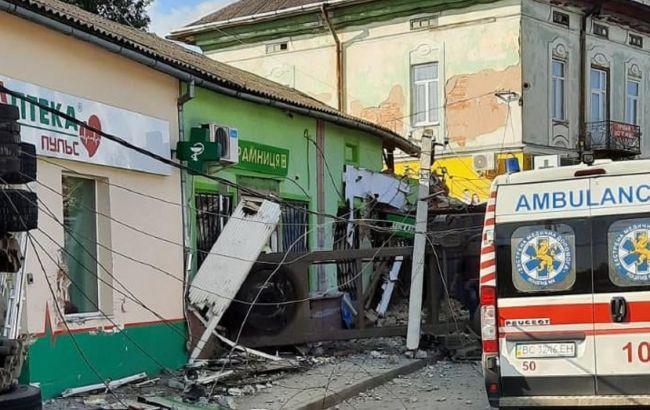 Фура въехала в магазин во Львовской области: полиция возбудила дело