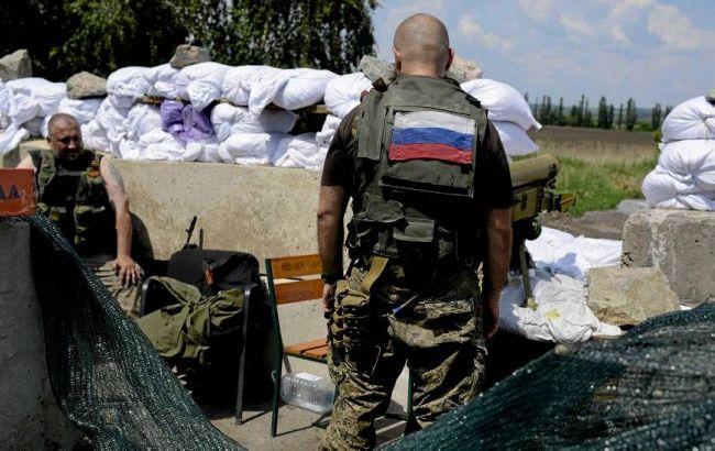 Фото: російські військові пограбували продуктовий склад в Донецьку