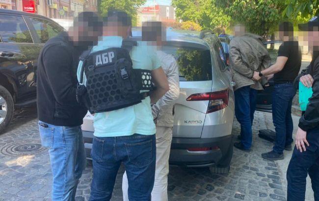 У Закарпатській області на хабарі затримали податківців: вимагали гроші у підприємця