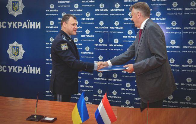 Украина сможет отправить полицейских в Европол. Подписано важное соглашение