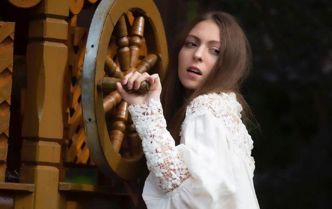 """Куда смотрит мама? Дочь Поляковой раскритиковали в сети за """"взрослые"""" фото"""