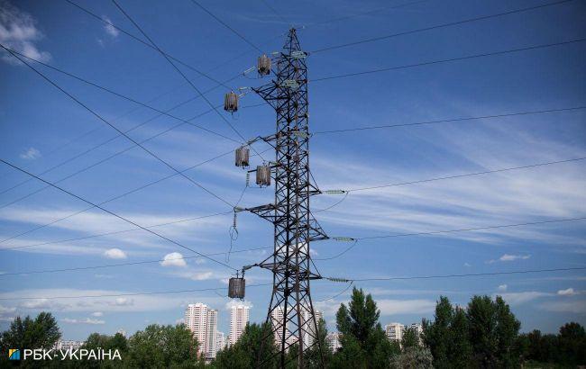 Рынок электроэнергии нестабилен, НКРЭКУ может еще обвалить цены, - эксперт
