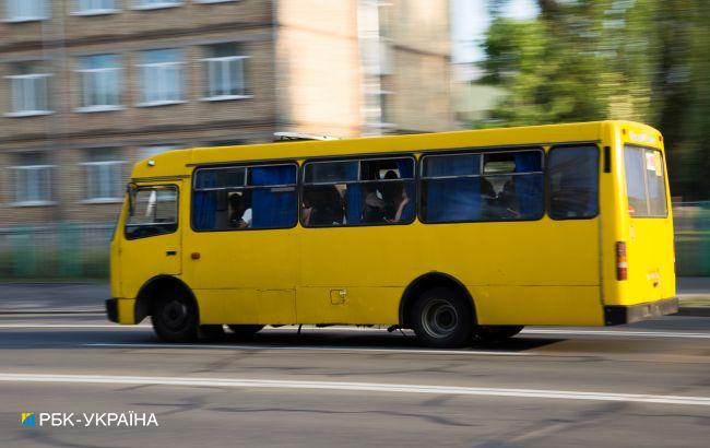 """В Киеве заметили маршрутку -""""монстра"""": страшно ездить (видео)"""
