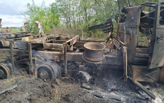 Оприлюднені фото з місця обстрілу вантажівки ЗСУ на Донбасі