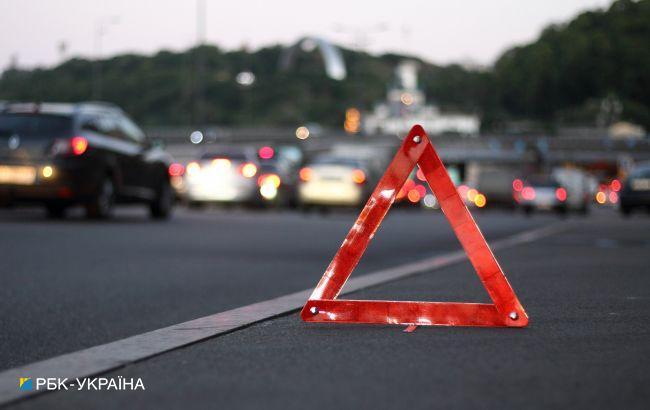 В Киеве на проспекте Победы столкнулись шесть автомобилей