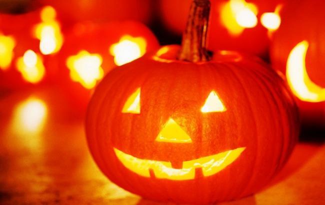 Фото: Тыква - традиционное украшение Хэллоуина (KakProsto.ru)