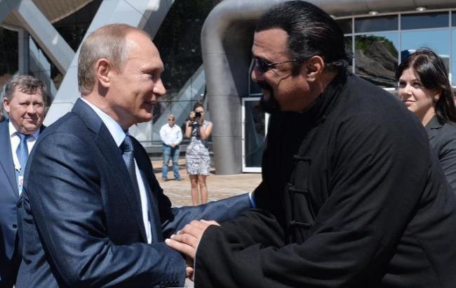 Фото: Стивен Сигал и Владимир Путин (Utro.ru)