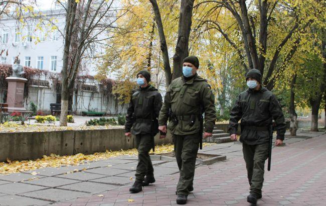 У Херсоні військові охороняють три лікарні для пацієнтів з COVID-19