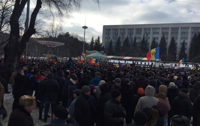 Учасники мітингу в Кишиневі прийняли резолюцію з вимогою провести вибори протягом 3 місяців