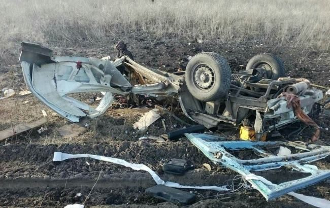 Фото: взрыв автобуса под Марьинкой