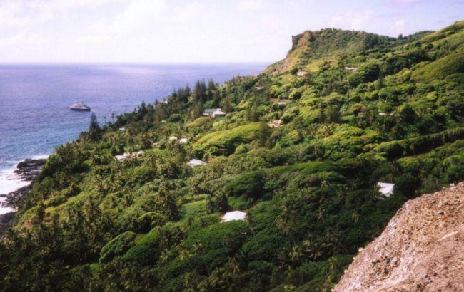 Море, пещеры и самая маленькая столица: загадочный остров, на котором мне посчастливилось побывать