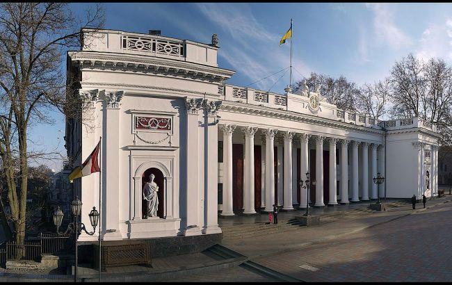 В мэрии Одессы проходят обыски