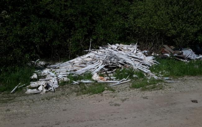Фото: Свалку ядовитых ламп обнаружили в Черниговской области (47news.ru)