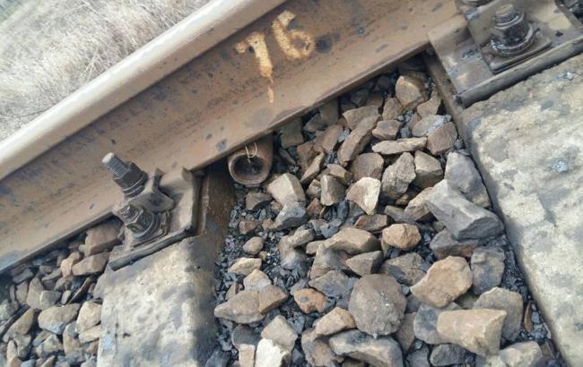 """Поліція виявила вибуховий пристрій на залізничному перегоні """"Красноармійськ-Добропілля"""""""