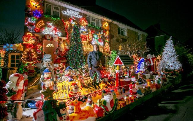 Фото: Украшенный к Рождеству дом (dailymail.co.uk)