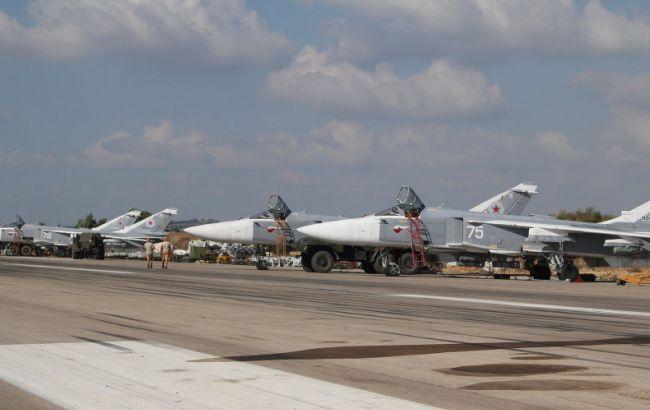 Фото: російська авіація на аеродромі в Хмеймімі