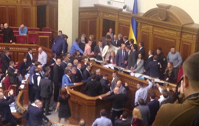 Народный депутат Левченко взял насебя ответственность заброшенную «дымовуху» вРаде
