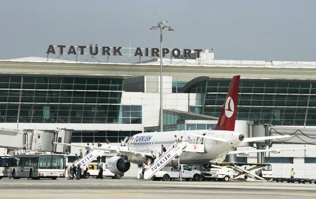 Фото: аэропорт Ататюрка (twitter.com/UkrZaKordonom)