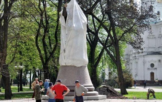 Фото: пам'ятник Мазепі в Полтаві намагалися підірвати