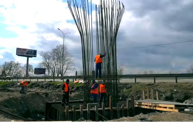 """""""Укравтодор"""" почав будувати три розв'язки на трасах під Києвом"""