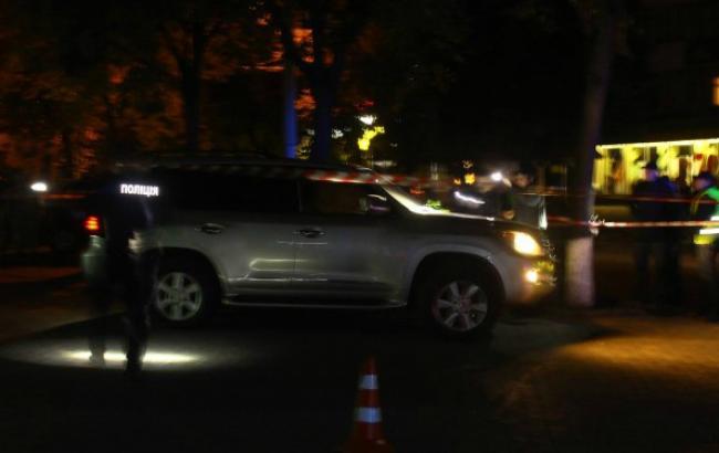 Вукраинском Луцке около зданияТЦ взорвался автомобиль