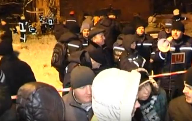 Опубликовано видео с места обрушения общежития в Чернигове