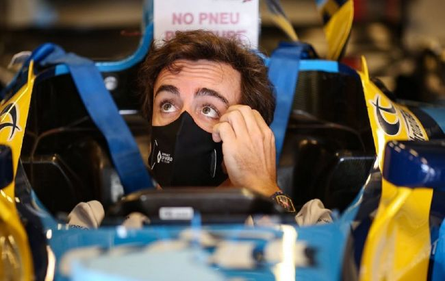 Алонсо попал в аварию. Возвращение чемпиона в Формулу-1 может задержаться