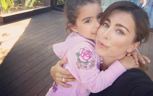 Ані Лорак вразила зворушливим фото з підрослими дочкою
