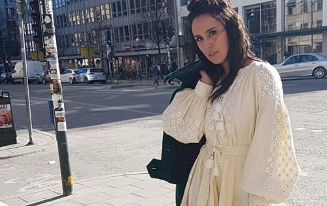 Евровидение 2016: Джамала прошлась по Стокгольму в вышиванке