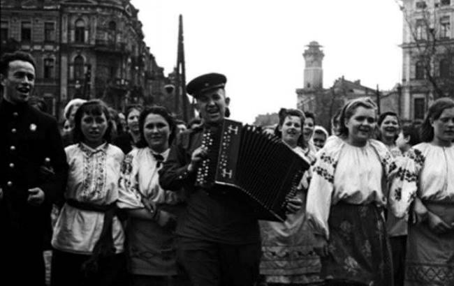 Актриса Вера Васильева рассказала о 9 мая 1945 года в Москве - РИА ...   410x650